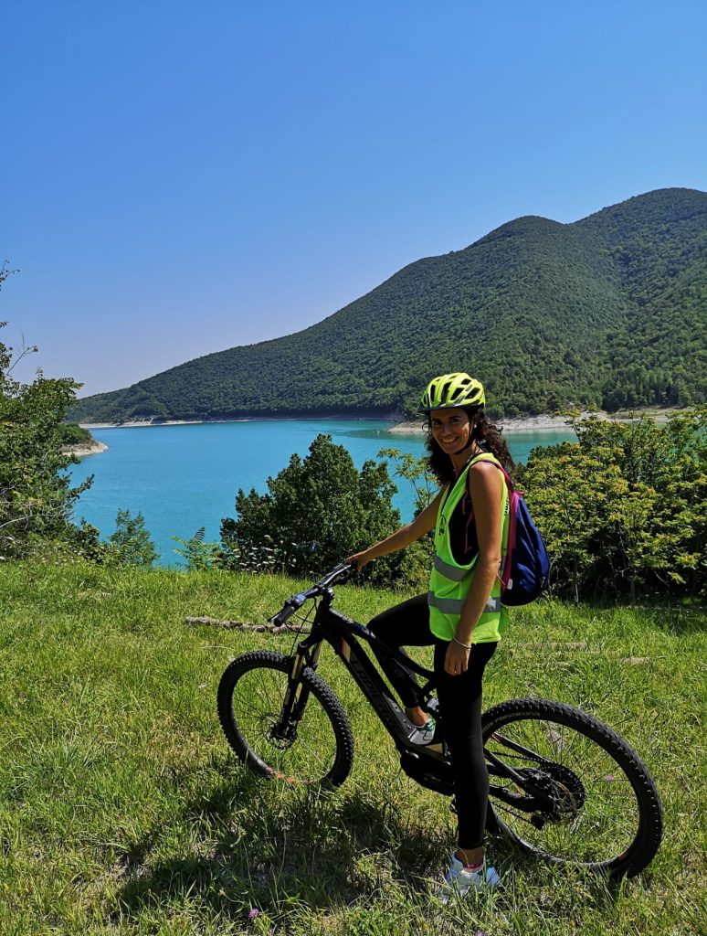 In e-bike al lago