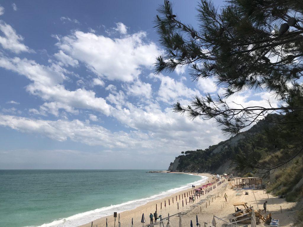 Spiaggia del Sassi Neri